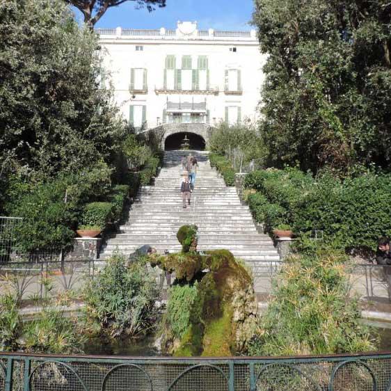 Villa Floridiana vista della scalinata