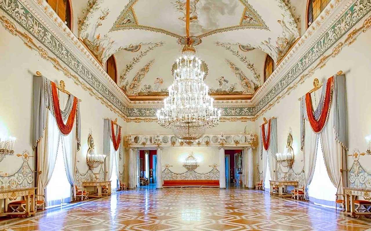 il Museo di Capodimonte ospita la collezione Farnese e la collezione Borbonica