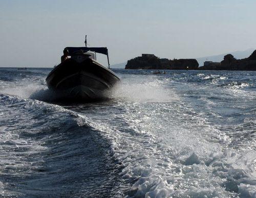 nautica cafarelli organizza tour in barca del golfo e escursioni verso le isole di Capri e Ischia