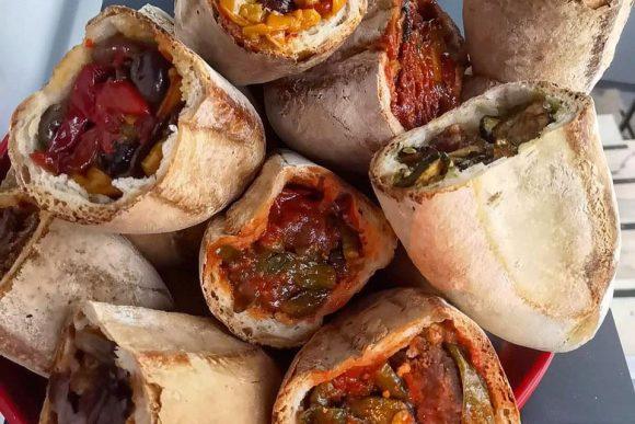 o' cuzzetiello rompe il recinto della tradizione e entra prepotentemente nello street food partenopeo