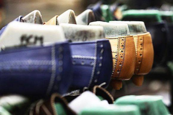 lavorazione del mocassino nella fabbrica di calzature ferrante 1875