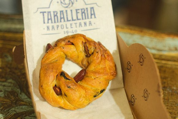 il tarallo alla taralleria napoletana