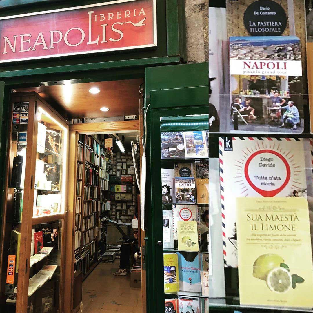 Libreria Neapolis per visitare Napoli partendo da un libro