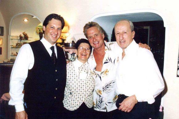 Douglas ospite del ristorante la Capannina di Capri