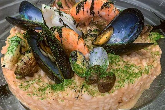 cucina e Cucinell trattoria del quartiere La Torretta a Napoli