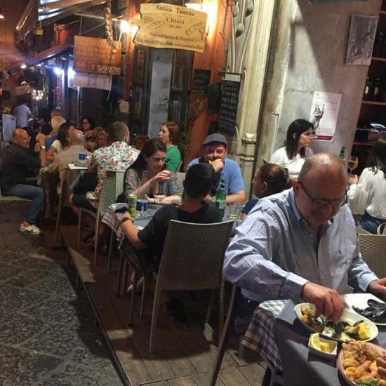 Antica Taverna a Chiaia locale storico del 1900
